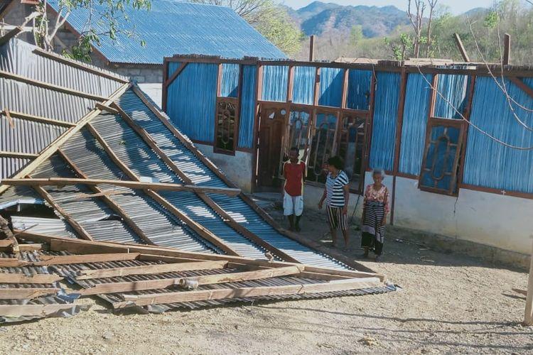 Rumah warga di Kabupaten Timor Tengah Utara rusak diterjang puting beliung