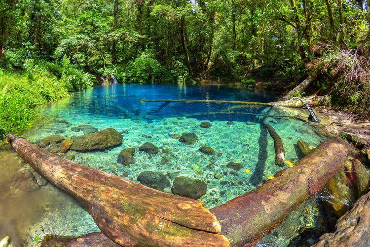 Danau Kaco, salah satu obyek daya tarik wisata alam di Taman Nasional Kerinci Seblat, Jambi.