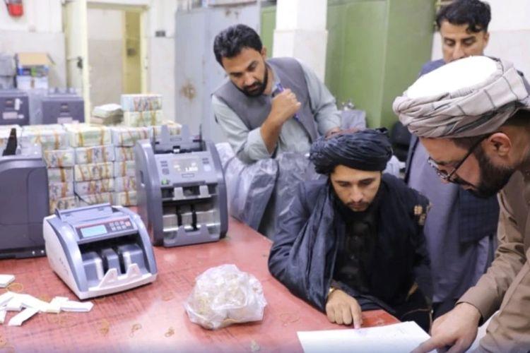 Rezim Taliban menyita jutaan dolar dari mantan pejabat tinggi Afghanistan (foto: ilustrasi).