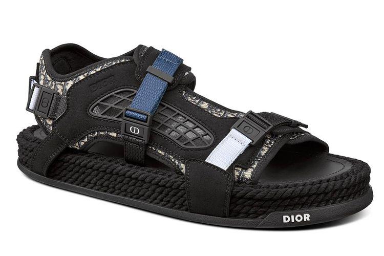Atlas sandal dari Dior