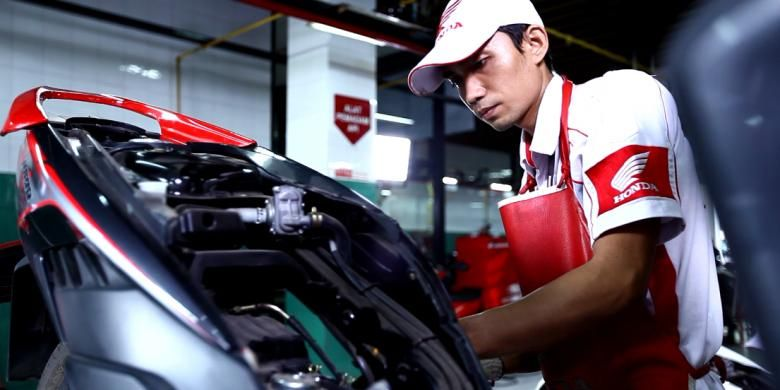 Semua guru pemilik sepeda motor Honda bisa memperoleh diskon khusus.