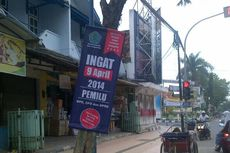 Poster Sosialisasi Pemilu Dipaku di Pohon, Pemerintah Kasih Contoh Buruk