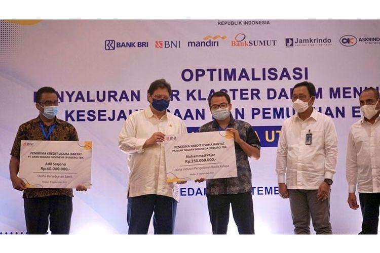 Optimalisasi penyaluran KUR berbasis klaster usaha di Sumatra Utara, Kamis (9/9/2021). Acara dihadiri oleh Menteri Koordinator Bidang Perekonomian Airlangga Hartarto.