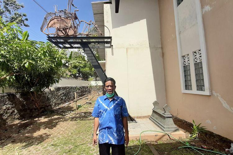 Chabib Wibowo Saat Berdiri di Depan Wisata Rumah Jiwa Hafara di Bantul, Yogyakarta Sabtu (1/8/2020)