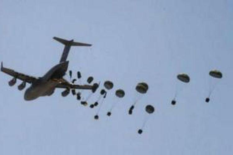 Angkatan Udara Irak membuat kesalahan fatal dengan mengirimkan bantuan makanan dan senjata ke pasukan ISIS.