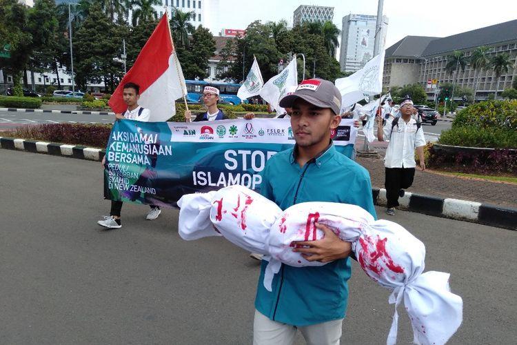 Aliansi Pemuda Indonesia (API) gelar aksi damai kecam peristiwa pembunuhan umat muslim di Selandia Baru, Jumat (22/3/2019)