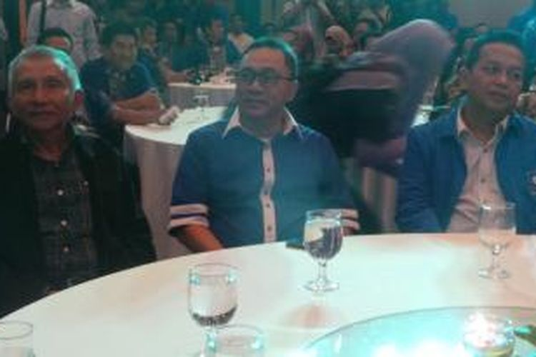Zulkifli Hasan didampingi tokoh senior PAN Amien Rais dan Sutrisno Bachir dalam acara pemantapan jelang Kongres PAN, di Yogyakatrta, Rabu (25/2/2015). Saat itu, Zulkifli Hasan merupakan calon Ketua Umum PAN.
