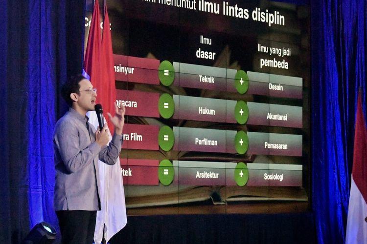 Mendikbud Nadiem Makarim meluncurkan kebijakan Kampus Merdeka. Peluncuran disampaikan Mendikbud Nadiem dalam rapat koordinasi kebijakan pendidikan tinggi di Gedung D kantor Kemendikbud, Jakarta, Jumat (24/1/2020).
