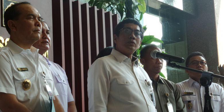 Dirjen AHU Kemenkumham Freddy Harris mengumumkan pencabutan status badan hukum ormas HTI di kantor Kemenkumham, Jakarta, Rabu (19/7/2017).