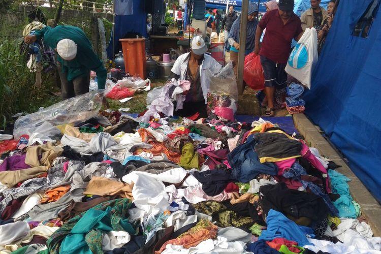 Suasana di tenda pengungsian kebakaran Pondok Bambu dan Cipinang Muara, Selasa (22/5/2018
