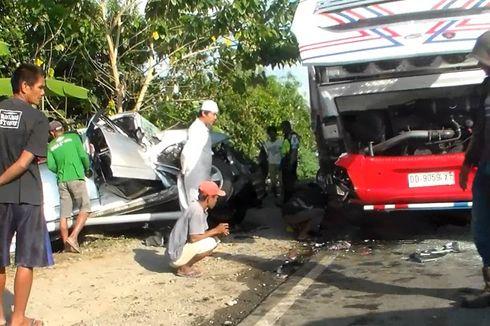 Mobil Toyota Rush Tabrak Bus Borlindo, 5 Penumpang Terluka