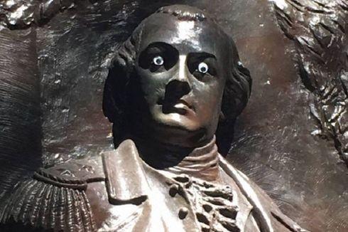 Patung Tokoh Perang Kemerdekaan AS Dipasangi Mata Mainan