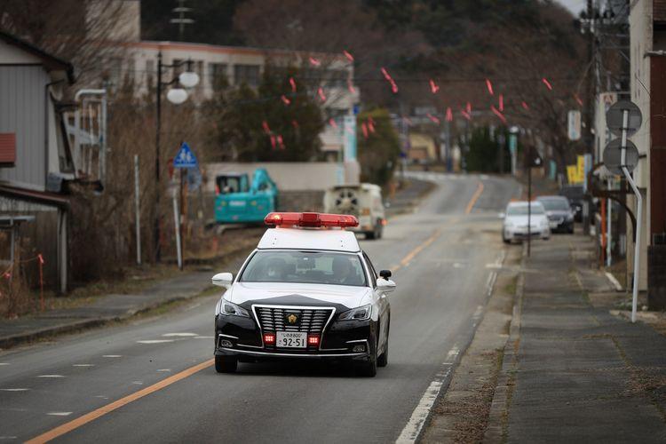 Kendaraan melintas di Futaba pada Rabu (4/3/2020). Futaba sempat ditutup selama 9 tahun setelah tiga reaktor nuklir Fukushima Daiichi jatuh dan mengeluarkan radiasi ke angkasa, akibat gempa bumi berkekuatan 9 magnitudo menghantam Jepang 11 Maret 2011.