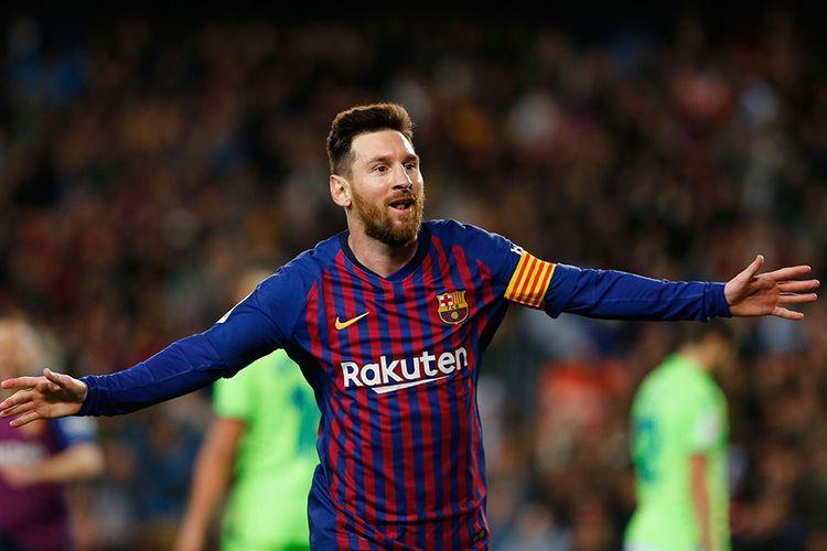 Pemain Barcelona Lionel Messi melakukan selebrasi usai berhasil mencetak gol ke gawang Levante dalam lanjutan La Liga di Stadion Camp Nou, Sabtu (27/4/2019) atau Minggu dini hari Wib. Gol tunggal Lionel Messi pada laga tersebut memastikan Barcelona unggul 1-0 atas Levante dan berhak keluar sebagai juara Liga Spanyol 2018/2019.