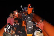 SAR Evakuasi 8 Nelayan yang Terombang-ambing di Lautan Wakatobi