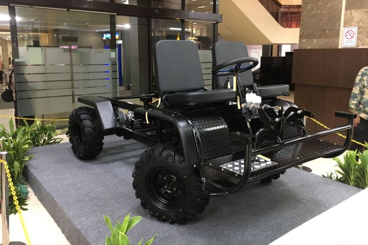Salah satu platform mobil perdesaan yang dipamerkan di Kantor Kementerian Perindustrian, Jakarta.
