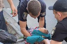 Jalan-jalan di Kota, Ibu Ini Taruh Bayi Usia 1 Minggu di Tas Jinjing