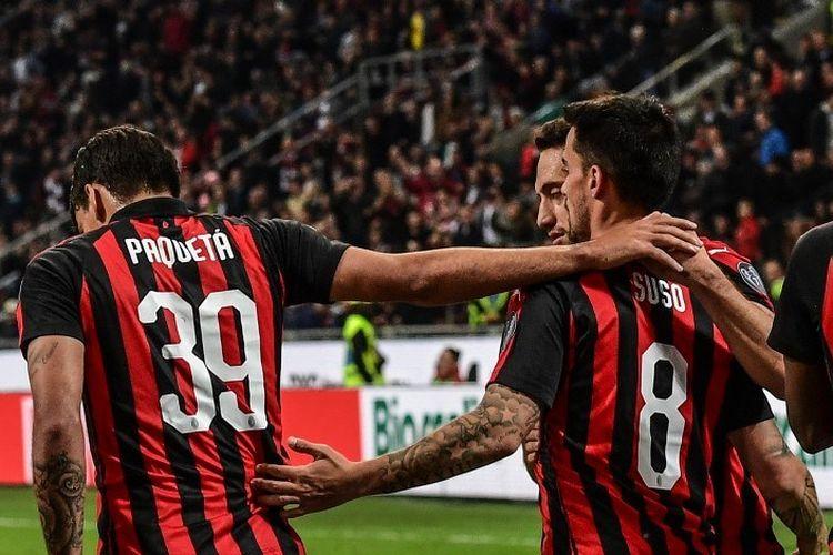 Suso merayakan gol bersama rekan-rekannya pada pertandingan AC Milan vs Bologna dalam lanjutan Liga Italia di San Siro, 6 Mei 2019.