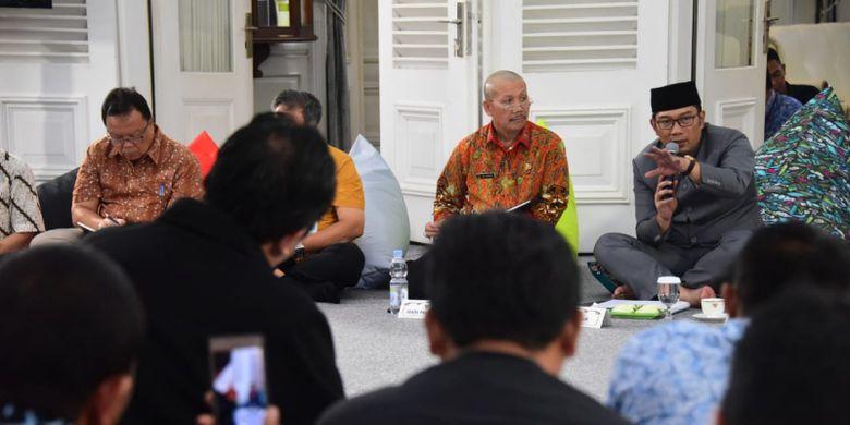 Gubernur Jawa Barat Ridwan Kamil saat menjadi pembicara dalam acara Temu Pimpinan untuk Aspirasi Masyarakat (Tepas) di Gedung Pakuan, Jalan Cicendo, Jumat (22/2/2019).