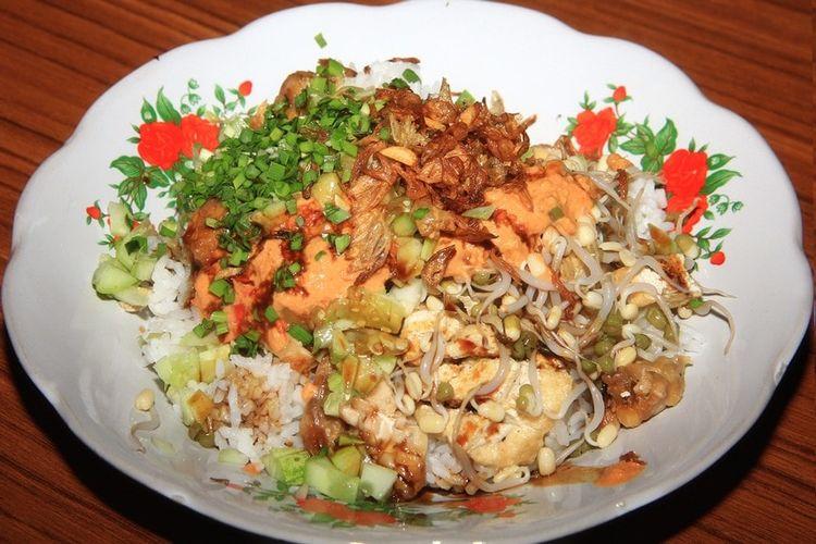Nasi Lengko, Kuliner Bernilai Gizi Tinggi yang Lezat.