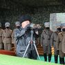 Di Tengah Penyebaran Virus Corona, Kim Jong Un Awasi Latihan Perang Korea Utara