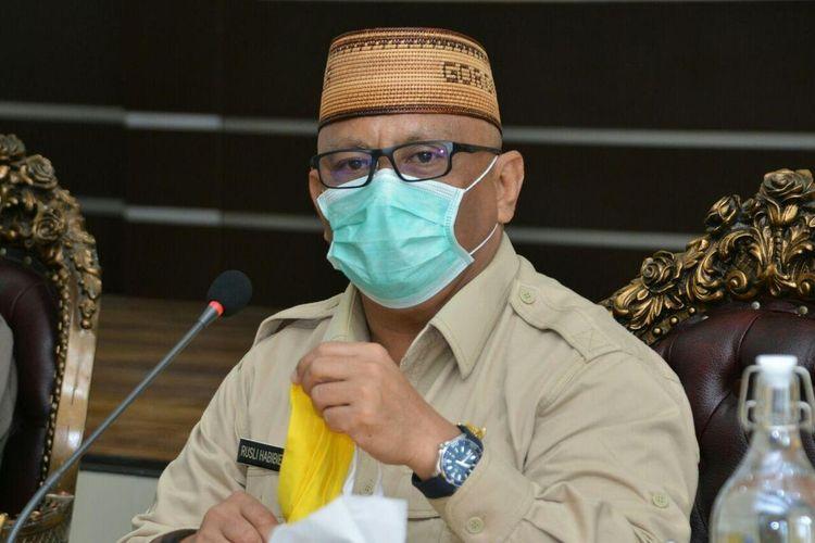 Gubernur Gorontalo, Rusli Habibie menyatakan Pemerintah Provinsi Gorontalo sedang melakukan kajian penerapan pembatasan sosial skala besar.