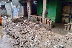 Diterjang Banjir, Permukiman RW 008 Pejaten Timur Becek Dipenuhi Lumpur