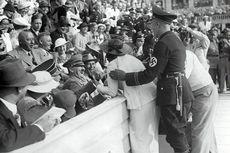 [Hari Ini dalam Sejarah] Sebuah Ciuman untuk Hitler