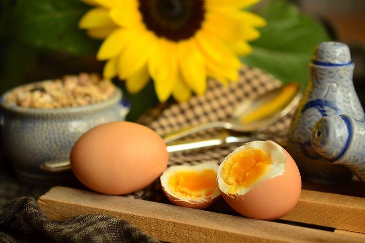 Berapa lama merebus telur agar matang sempurna memang masih jadi pertanyaan bagi sebagian orang.