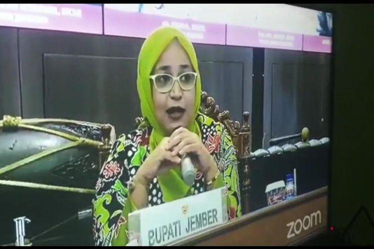 Bupati Jember Faida saat menjadi pembicara dalam kegiatan webinar pada 25 Agustus 2020 lalu