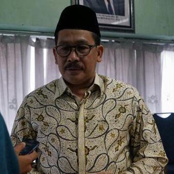 Wakil Ketua Umum Majelis Ulama Indonesia (MUI) Zainut Tauhid Saadi saat memberikan keterangan mengenai sikap MUI terkait rencana aksi unjuk rasa 2 Desember 2016, di gedung MUI, Menteng, Jakarta Pusat, Selasa (22/11/2016).