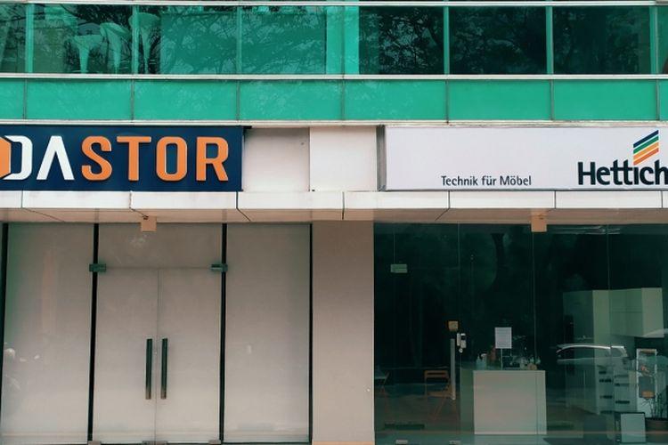Perusahaan solusi fitting furnitur asal Jerman, Hettich, resmi menunjuk PT Dastor Akses Setia (DASTOR) sebagai mitra dan distributor resmi  produk mereka di Indonesia