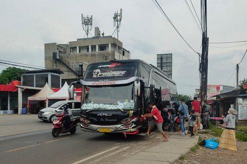 H-3 Larangan Mudik, Penumpang Bus di Terminal Bayangan Cimanggis Makin Ramai