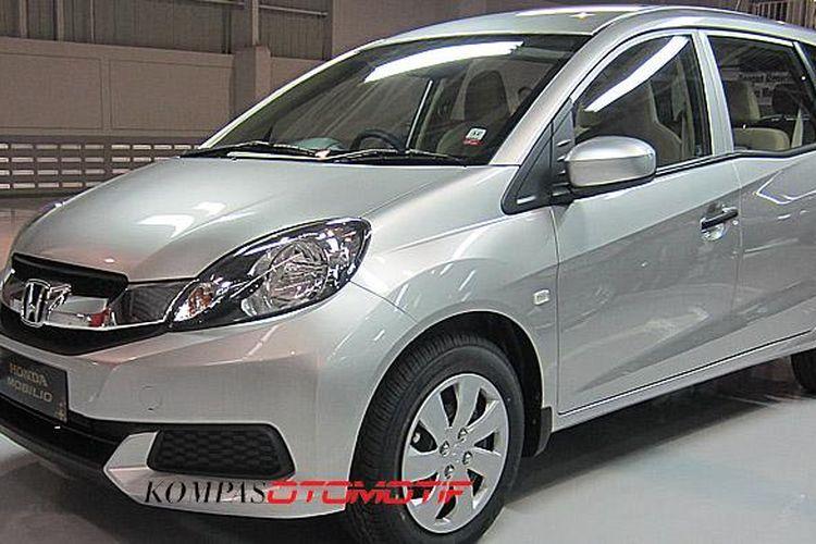 Honda Mobilio tipe S MT, varian paling murah.