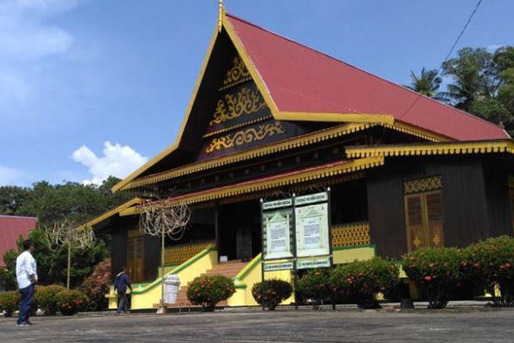 Suasana Pulau Penyengat, Provinsi Kepulauan Riau, Sabtu (14/1/2017). Pulau Penyengat dikenal sebagai destinasi wisata religi dan wisata sejarah rumpun Melayu.