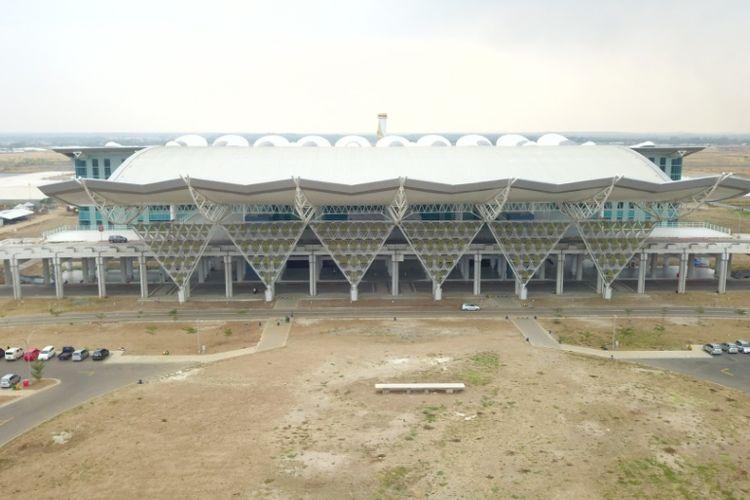 Tampilan bagian depan Bandara Kertajati