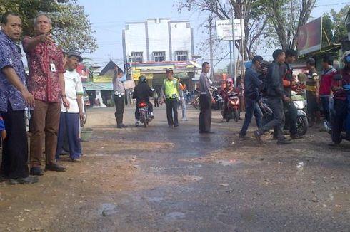 Jalan Rusak Parah, Ganjar Ancam Mutasi Pejabat Bina Marga