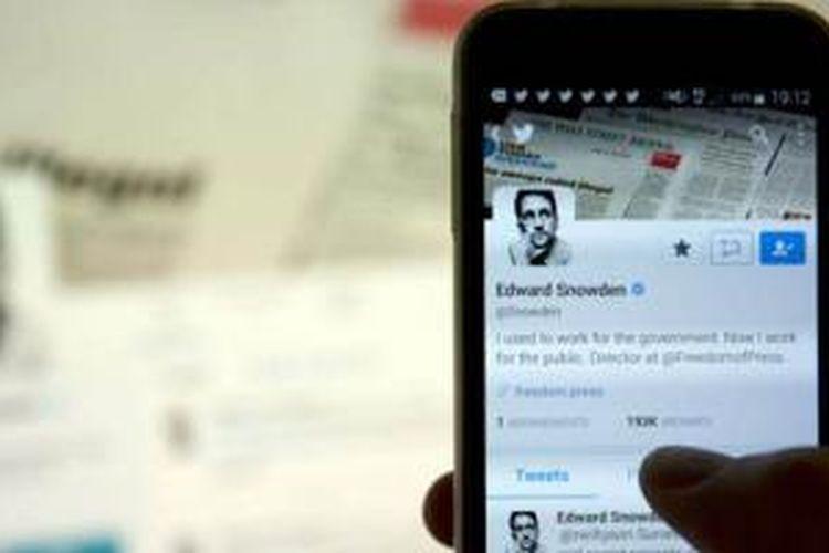 Mantan kontraktor NSA yang kini jadi buronan AS, Edward Snowden membuat akun Twitter.