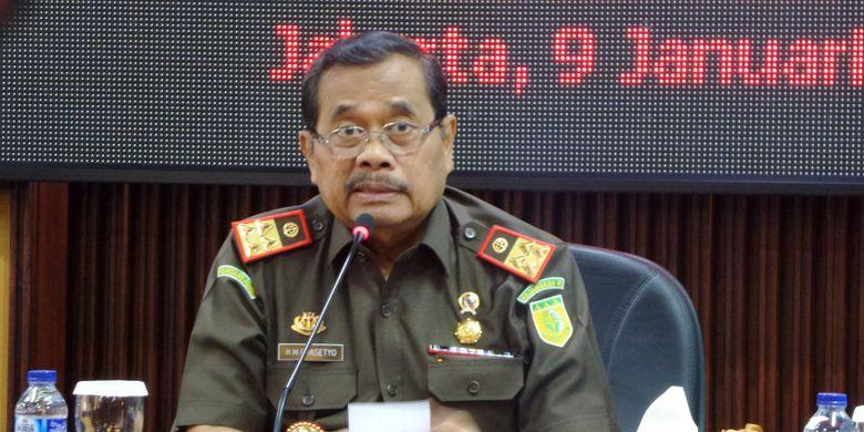 Jaksa Agung Muhammad Prasetyo dalam paparan kinerja Kejaksaan Agung selama 2017 di Kejagung, Jakarta, Selasa (9/1/2017).