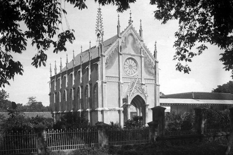 Foto Gereja Katedral Makassar yang diambil tahun 1900 - 1919