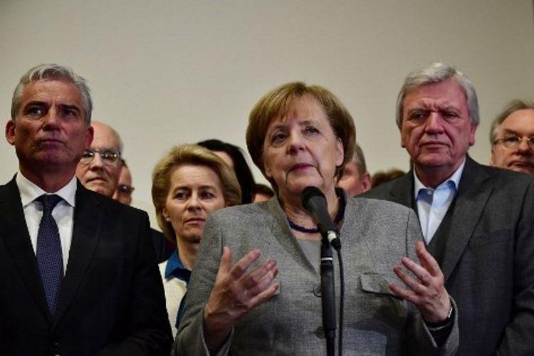 Kanselir Jerman, Angela Merkel ketika memberikan keterangan pers (19/11/2017). Merkel terancam tidak menjadi kanselir Jerman untuk empat kali beruntun karena sejak pemilu 24 September, dia belum membentuk pemerintahan.
