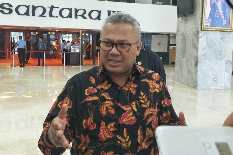 Ketua Komisi Pemilihan Umum (KPU) Arief Budiman saat ditemui seusai rapat konsultasi dengan Pimpinan DPR dan Pemerintah di Kompleks Parlemen, Senayan, Jakarta, Kamis (5/7/2018).