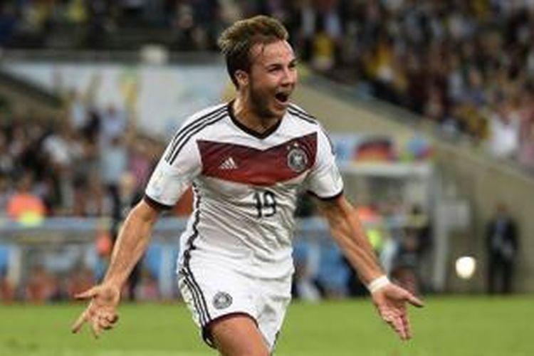 Mario Goetze merayakan golnya ke gawang Argentina di final Piala Dunia 2014. Gol satu-satunya di babak kedua perpanjangan waktu itu menjadi penentu kemenangan Jerman sekaligus juara Piala Dunia.
