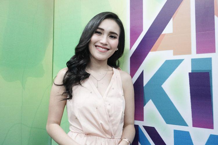 Penyanyi dangdut Ayu Ting Ting saat ditemui di acara Mom and Kids Awards 2018 di MNC Studios, Kebon Jeruk, Jakarta Barat, Sabtu (21/7/2018).