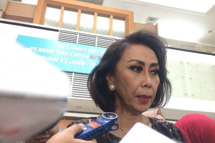 Ketua Panitia Seleksi (Pansel) calon pimpinan KPK, Yenti Garnasih,saat ditemui di Gedug Sektretariat Negara sebelum rapat pansel, Jakarta, Kamis (4/7/2019).