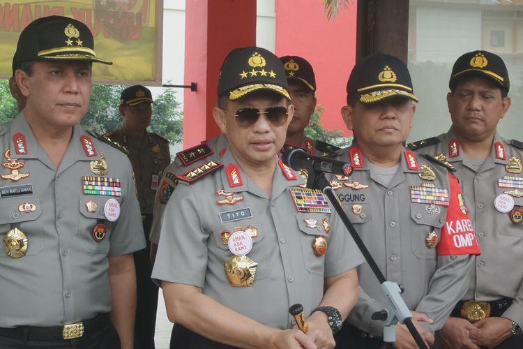 Kapolri Jenderal Pol Tito Karnavian menyampaikan hasil pantauan pengamanan Pilkada DKI Jakarta putaran kedua di kompleks PTIK, Jakarta, Rabu (19/4/2017).