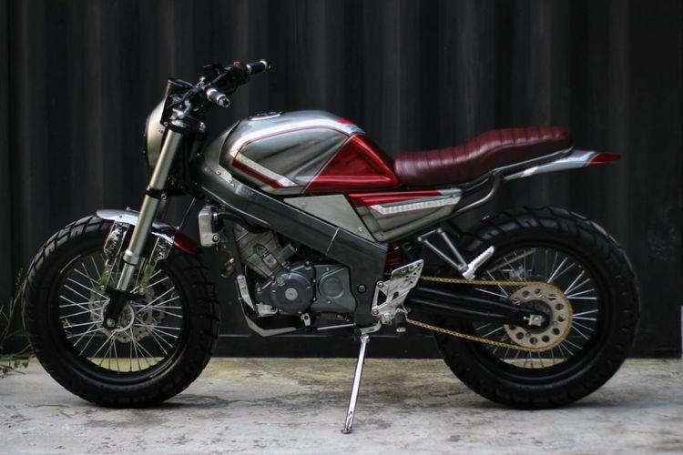 Motor custom Honda CBR150R bergaya scrambler garapan Jowo Custom
