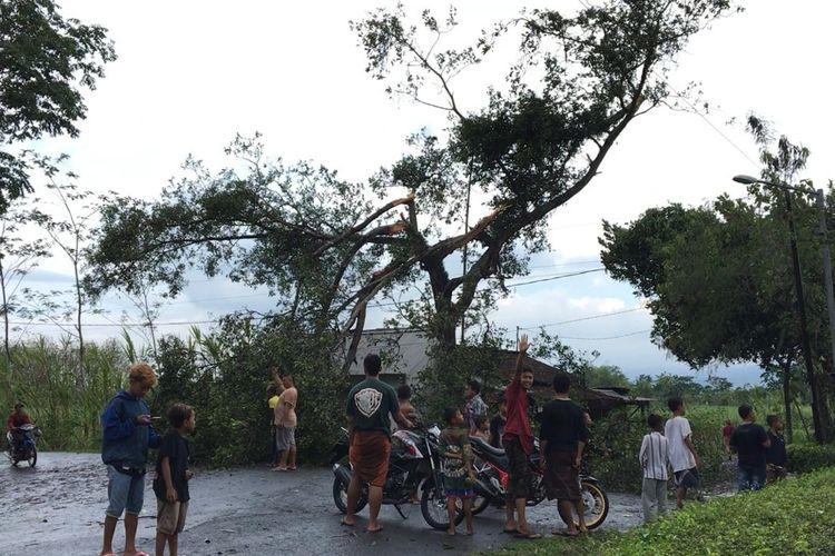Angin puting beliung melanda dua desa di Kabupaten Bondowoso Minggu (25/10/2020) sore