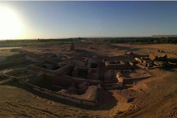 Lima makam kuno berusia sekitar 2.000 tahun di Bir esh-Shaghala