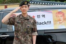 Leader SHINee Onew Bebas Wajib Militer Hari Ini